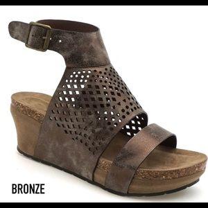 NWT Maeven Wedge Sandal